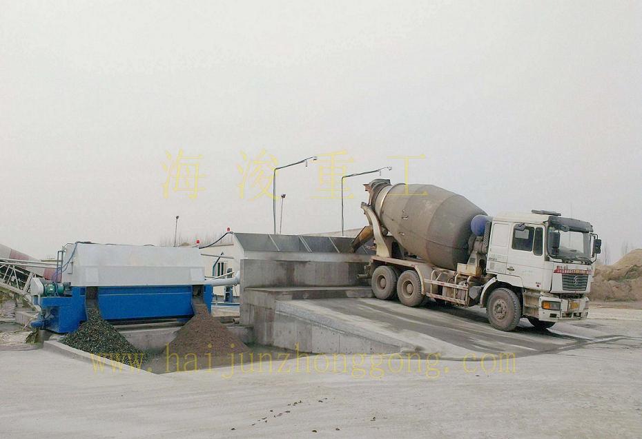 同侧位混凝土沙石分离机工作现场